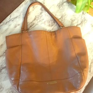 Coach Park Leather North/South tote. F23662 Bag